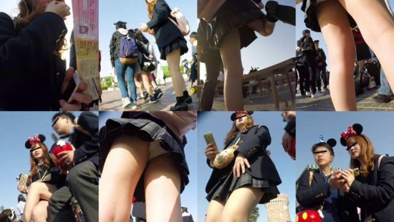 【JKパンチラ盗撮】夢の国の制服ギャル女子高生!正面からもバッチリ
