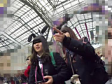 【JKパンチラ盗撮】夢の国で5人組&2人組の制服女子高生!画像