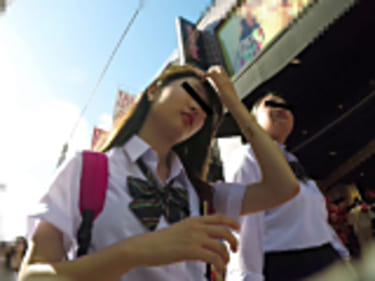 【JKパンチラ盗撮】原宿の制服女子高生!6画像