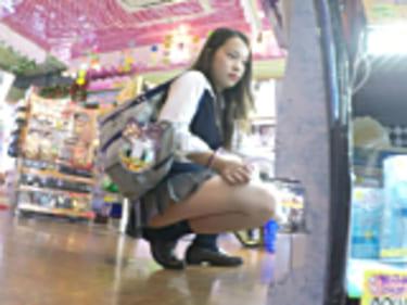 【JKパンチラ盗撮】愛しの制服Pチラ!の女子高生!4画像